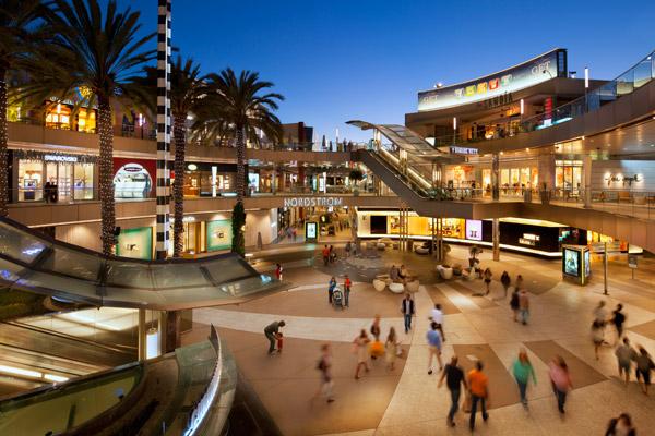 洛杉矶购物目的地圣塔莫妮卡广场