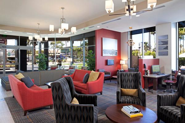 洛杉矶国际机场/世纪大道万豪居家酒店