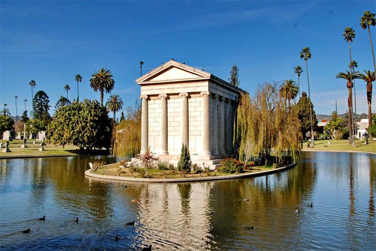 好莱坞永恒公墓名人安葬之地