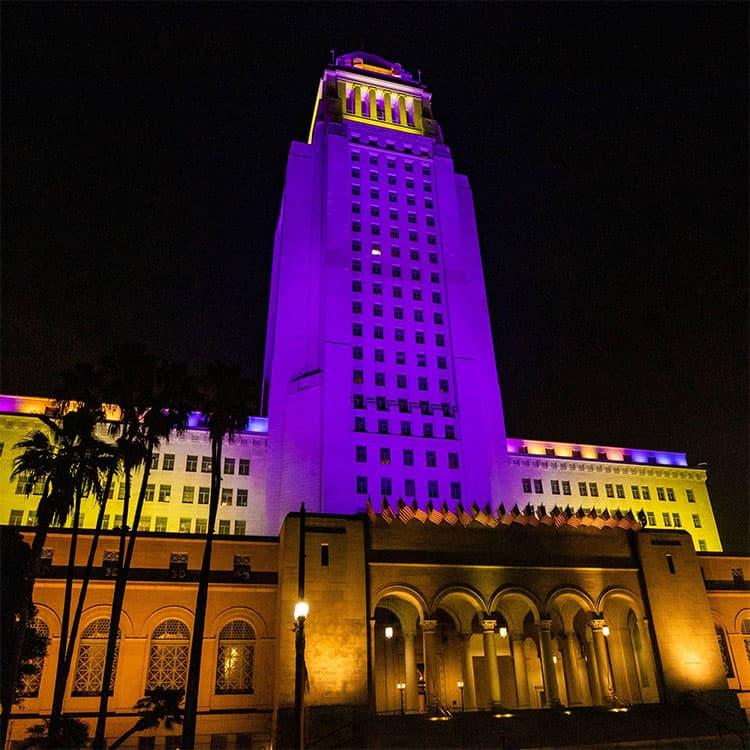 洛杉矶悼念科比布莱恩特市政厅