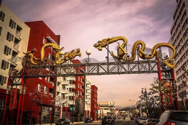 洛杉矶中国城双龙戏珠大门
