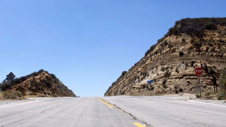 《速激7》中的坦普林高速公路