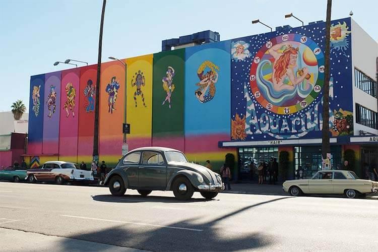 《好莱坞往事》中的 Aquarius 剧院