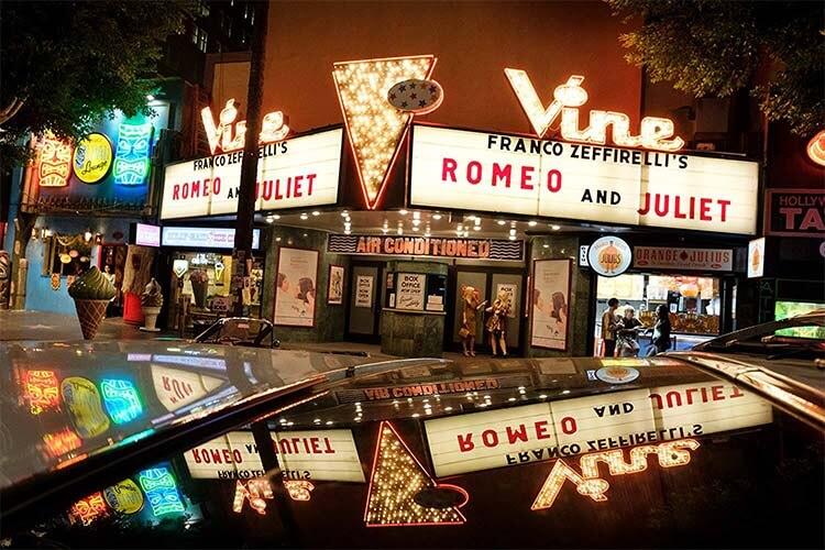 《好莱坞往事》中的藤街剧院