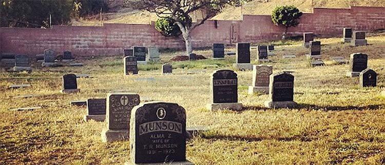 《速度与激情》中Sunnyside Cemetery